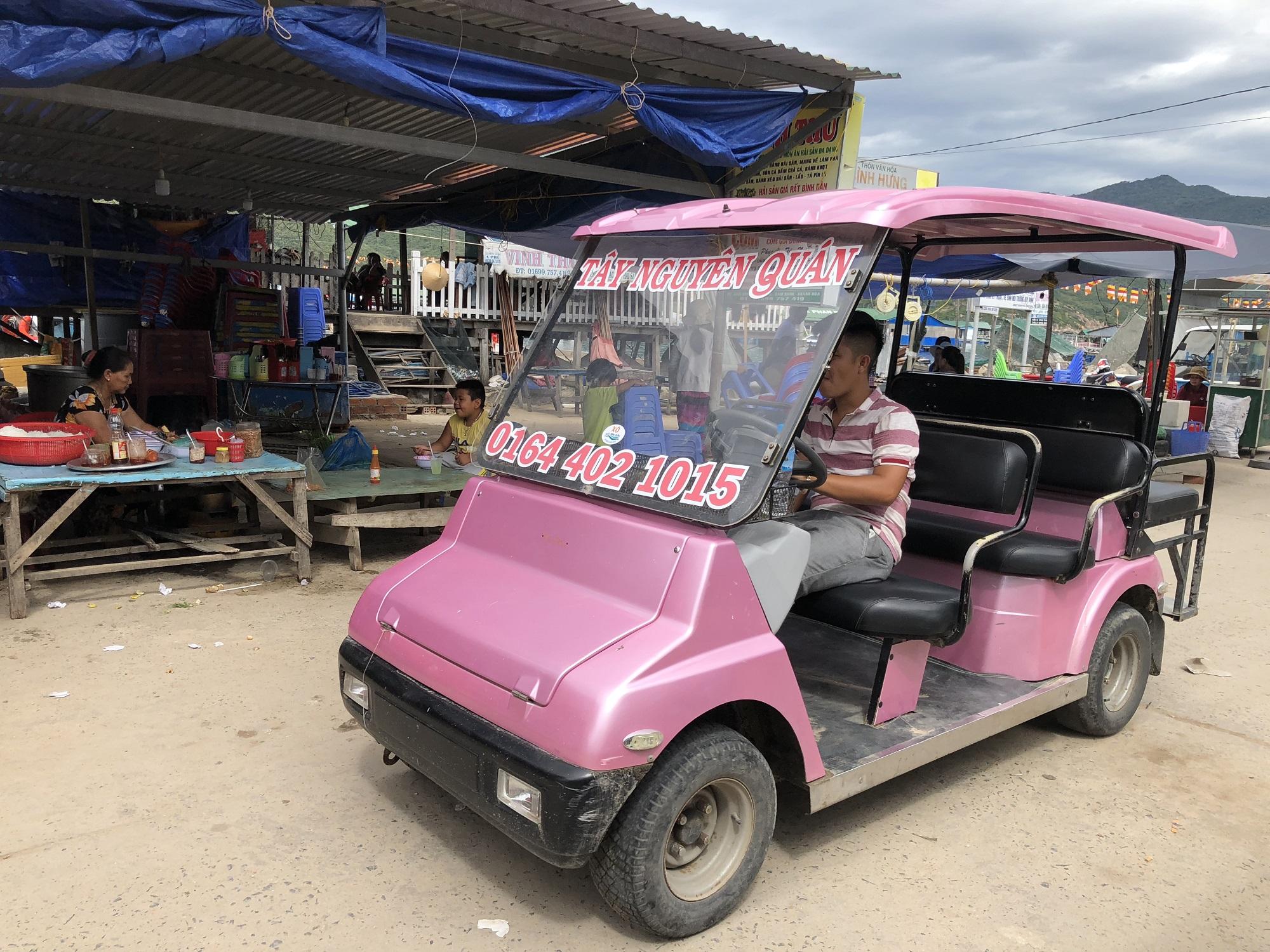 Xe điện trên đảo