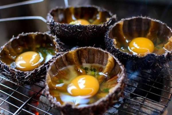 Món Cầu Gai chưng trứng. Ảnh: Camranhtour