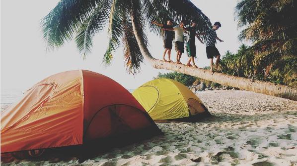 Cắm trại trên bãi biển cũng rất thú vị