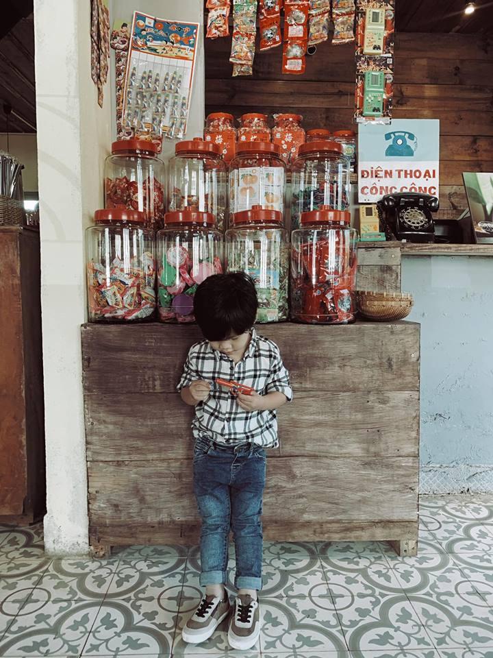 Tiệm cà-phê cô Bông – 238 Yersin