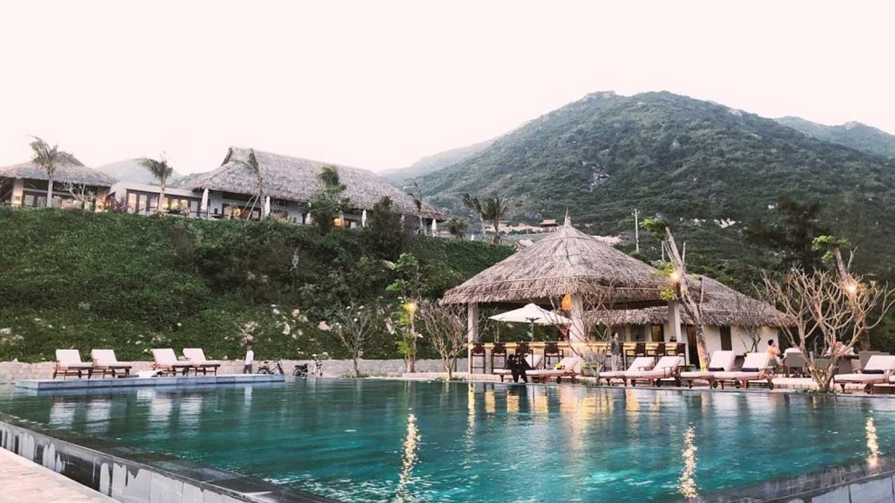 Đến Crown Retreat Quy Nhơn vẫy vùng trong bể bơi tràn bờ ven biển siêu ảo -  Du Lịch Chất