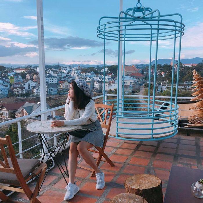 Dreamer Cine Café – 27B Trần Hưng Đạo