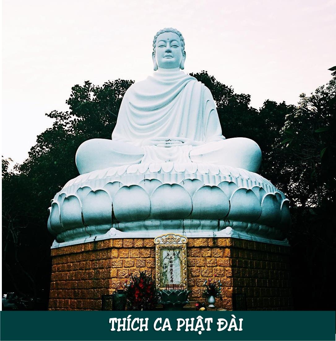 Thích Ca Phật Đài tọa lạc ở địa chỉ: 608 Trần Phú, Phường 5, Thành phố Vũng Tầu, Bà Rịa - Vũng Tàu