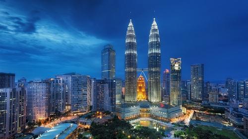 Tháp đôi Petronas cao nhất thế giới ở thủ đô Kuala Lumpur, Malaysia. Ảnh: Luxury Life.