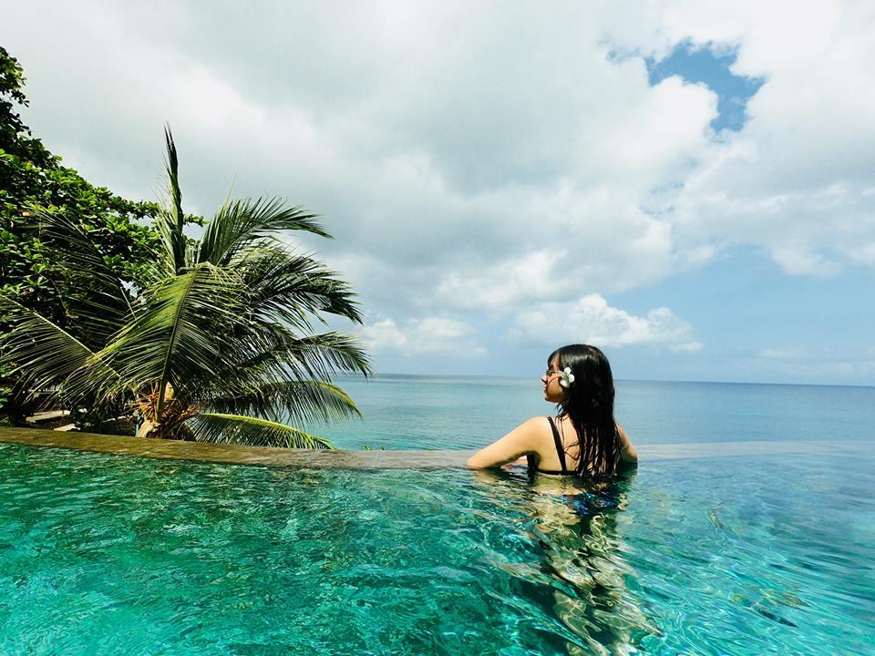 Ocean Beach Pool at Ayana Resort Hồ bơi cực đẹp sát biển và view sang Rock bar