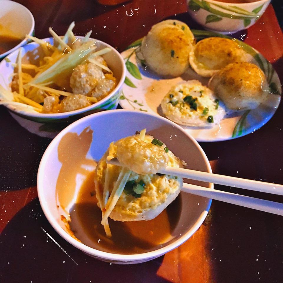 Bánh căn chợ đêm Phan Rang