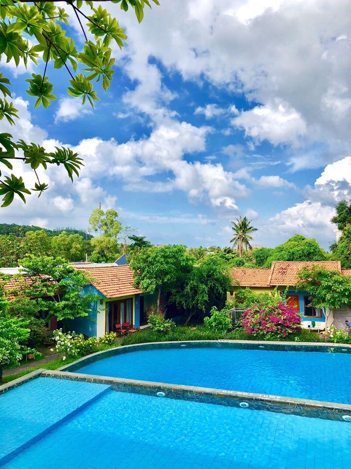 Daisy Village resort & spa, Phú Quốc  Không có quá nhiều điều để nói, vì PQ là thiên đường của resort rồi. Có quá nhiều lựa ok trong tầm giá của Daisy (Daisy hiện đã đổi tên thành Hills side cả nhà nhé)