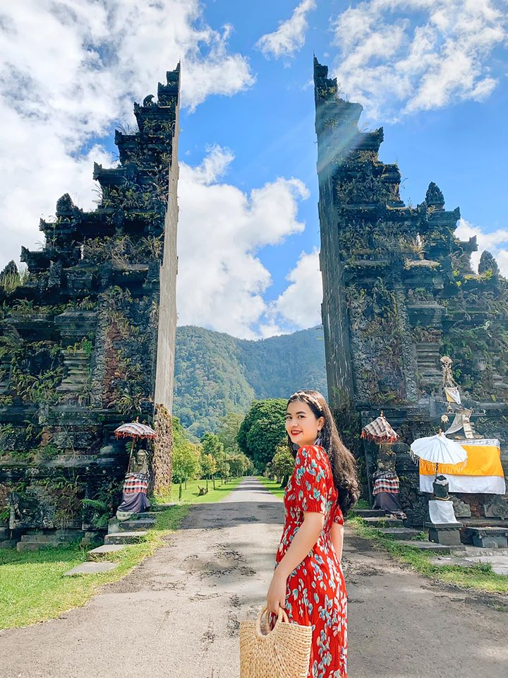 Cổng trời Handara phía bắc Ubud May mắn khi đến Handara không có ai nên tụi mình tiết kiệm được thời gian ở đây