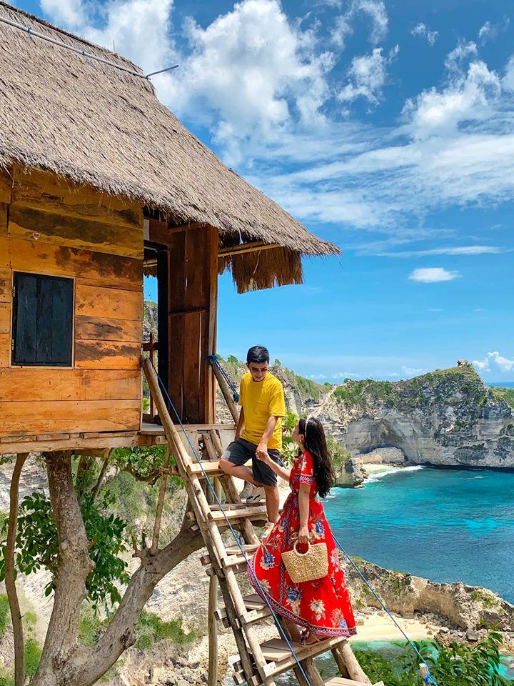 Tree house 50k IDR Bác tài xế ở đảo chụp hình siêu siêu có tâm luôn.