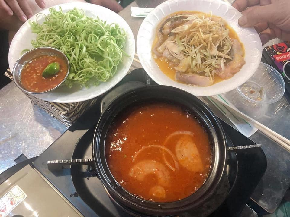 Bạch tuột cay xé gió ở Nguyễn Văn Trỗi ăn món này cũng vui lắm mở nắp ra ai cũng sặc mùi ớt nhìn nhau cười như điên