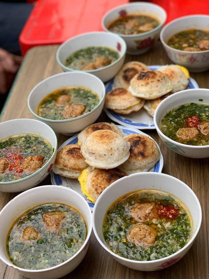Bánh căn Nhà Gỗ - Lương Định Của, Trại mát Mình đi đồi chè cầu đất tiện đường ghé ăn