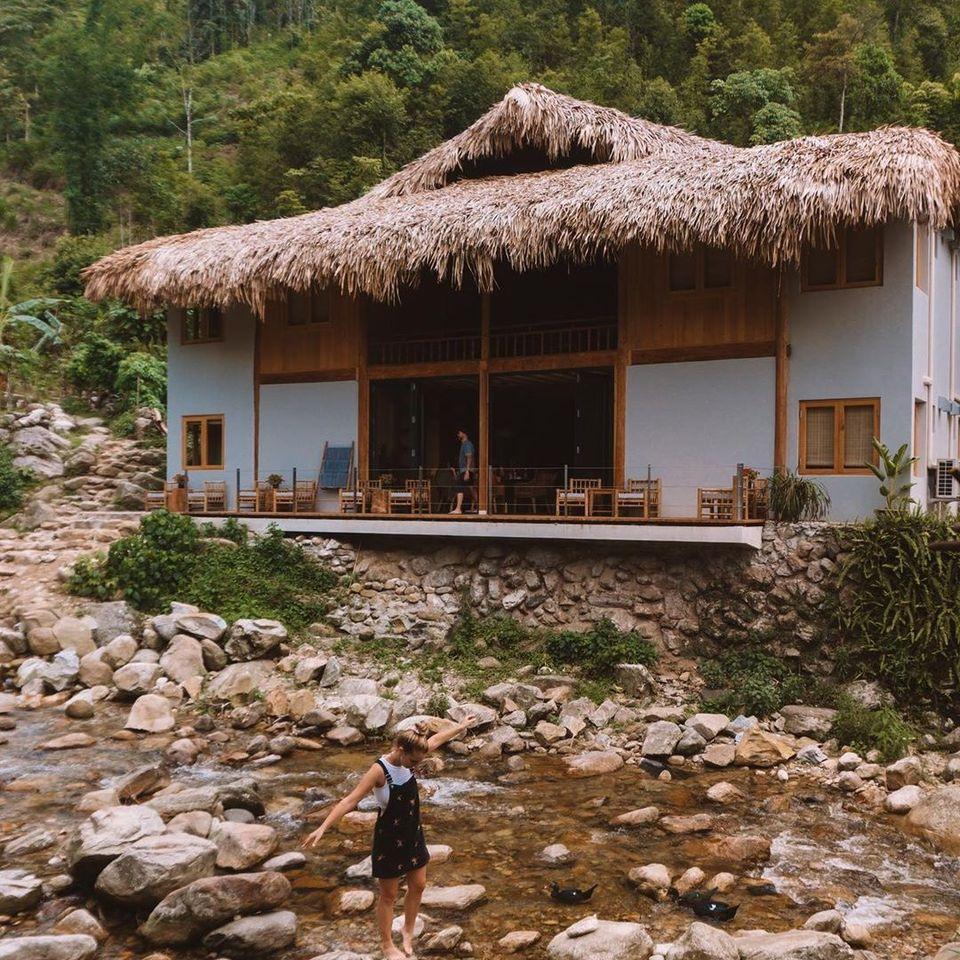 Topas Riverside Lodge Sapa Địa chỉ: Thôn Nậm Cang, Sa Pa, Lào Cai Điện thoại: 024 3715 1005