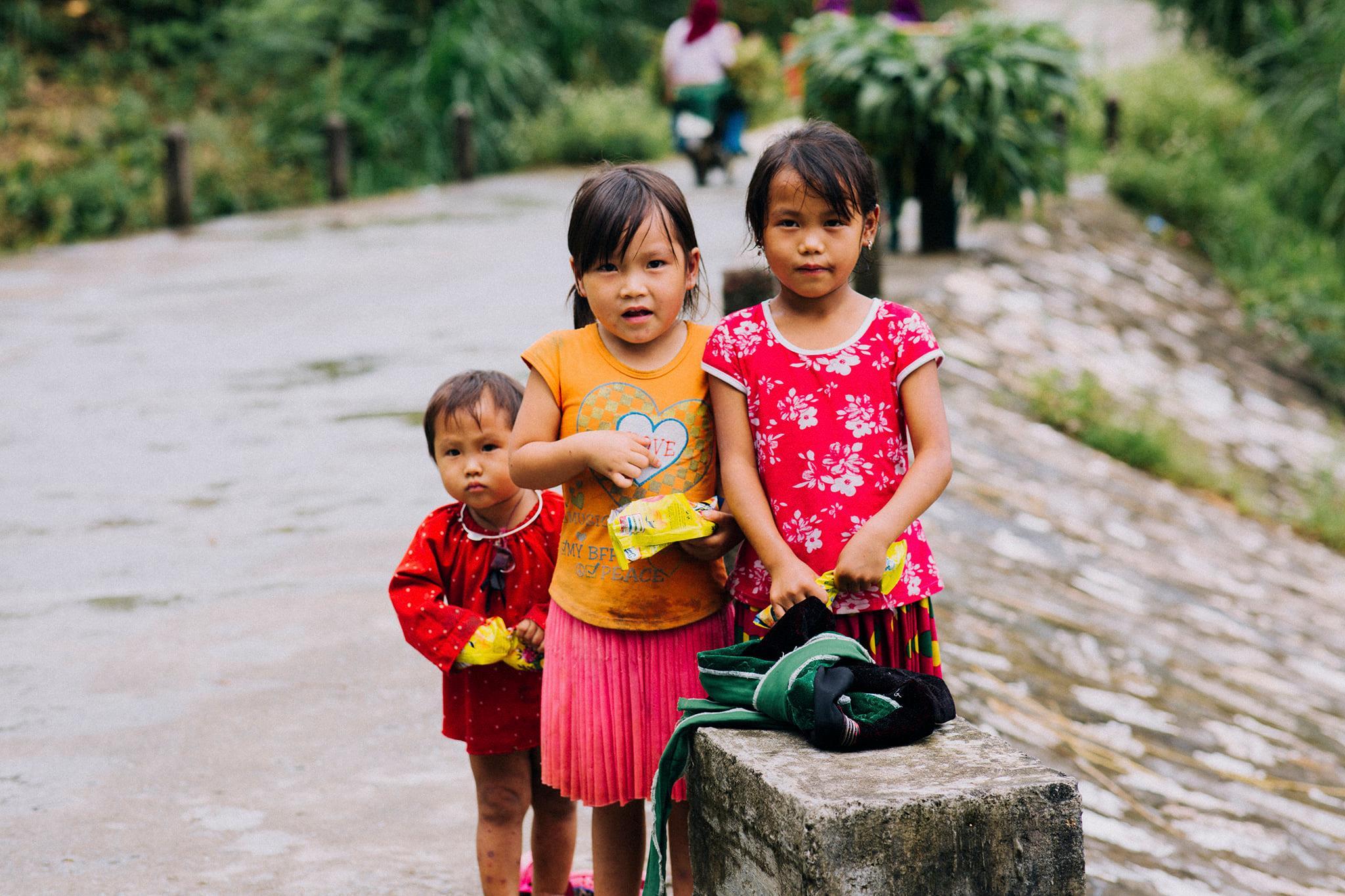 trẻ em địa phương Hà Giang