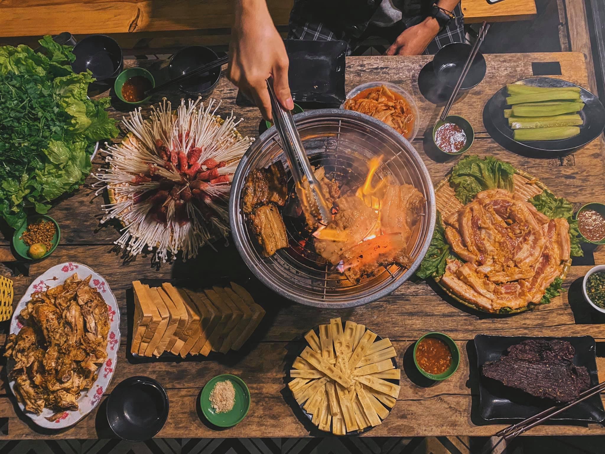 House By Lake Mộc Châu. Địa chỉ: 63 Trần Huy Liệu, TT. Mộc Châu, Mộc Châu, Sơn La.