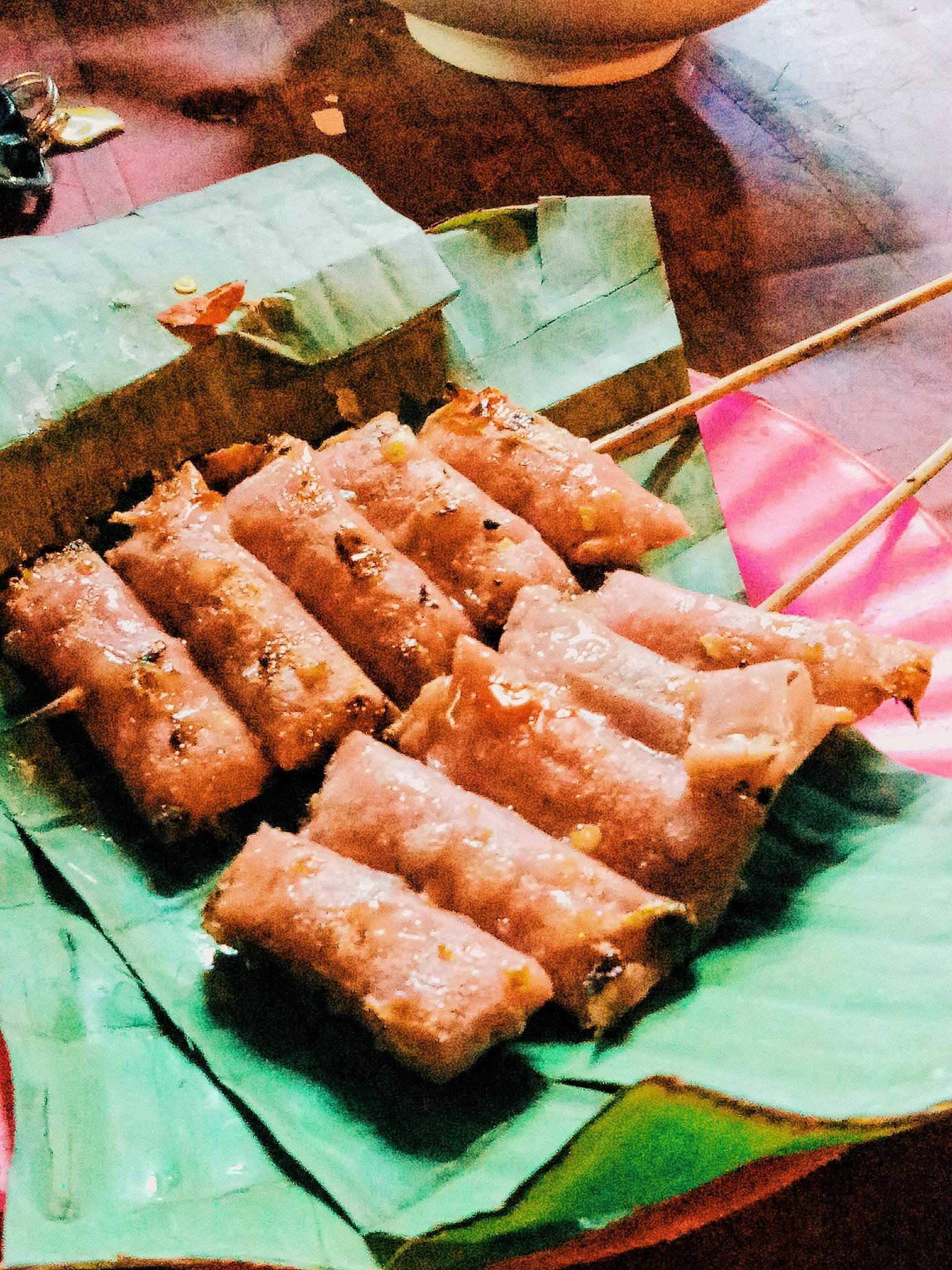 Gà nướng Sa lửa và cơm lam ở quán Tơ Bưng