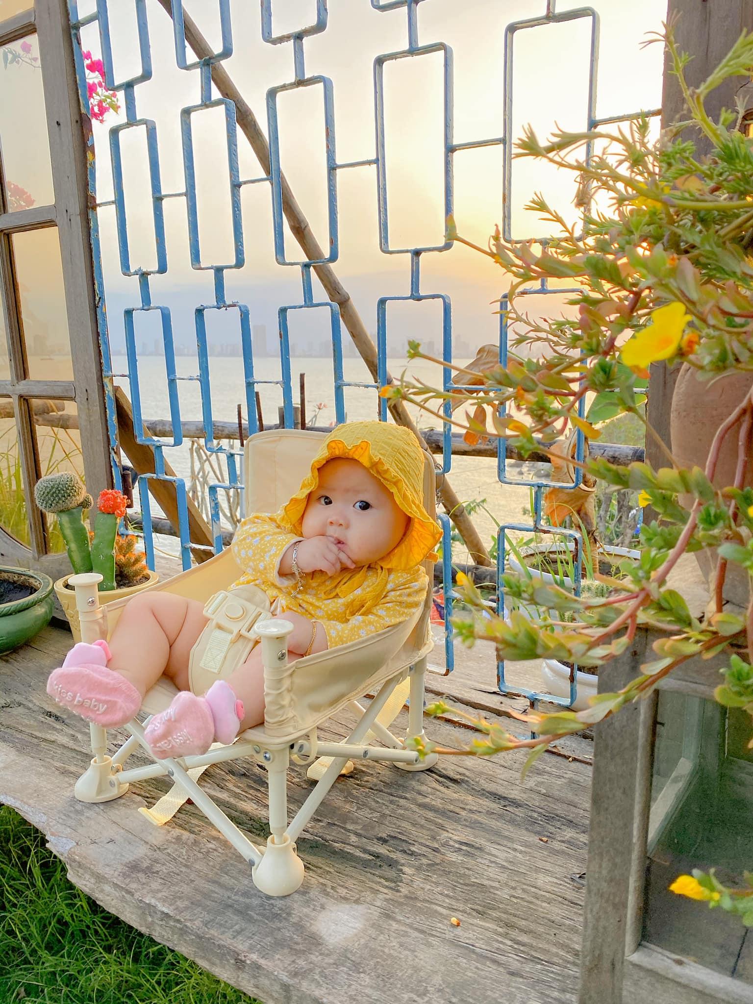 Dễ cưng muốn xỉu – theo chân em bé Măng Tây check in Đà Nẵng