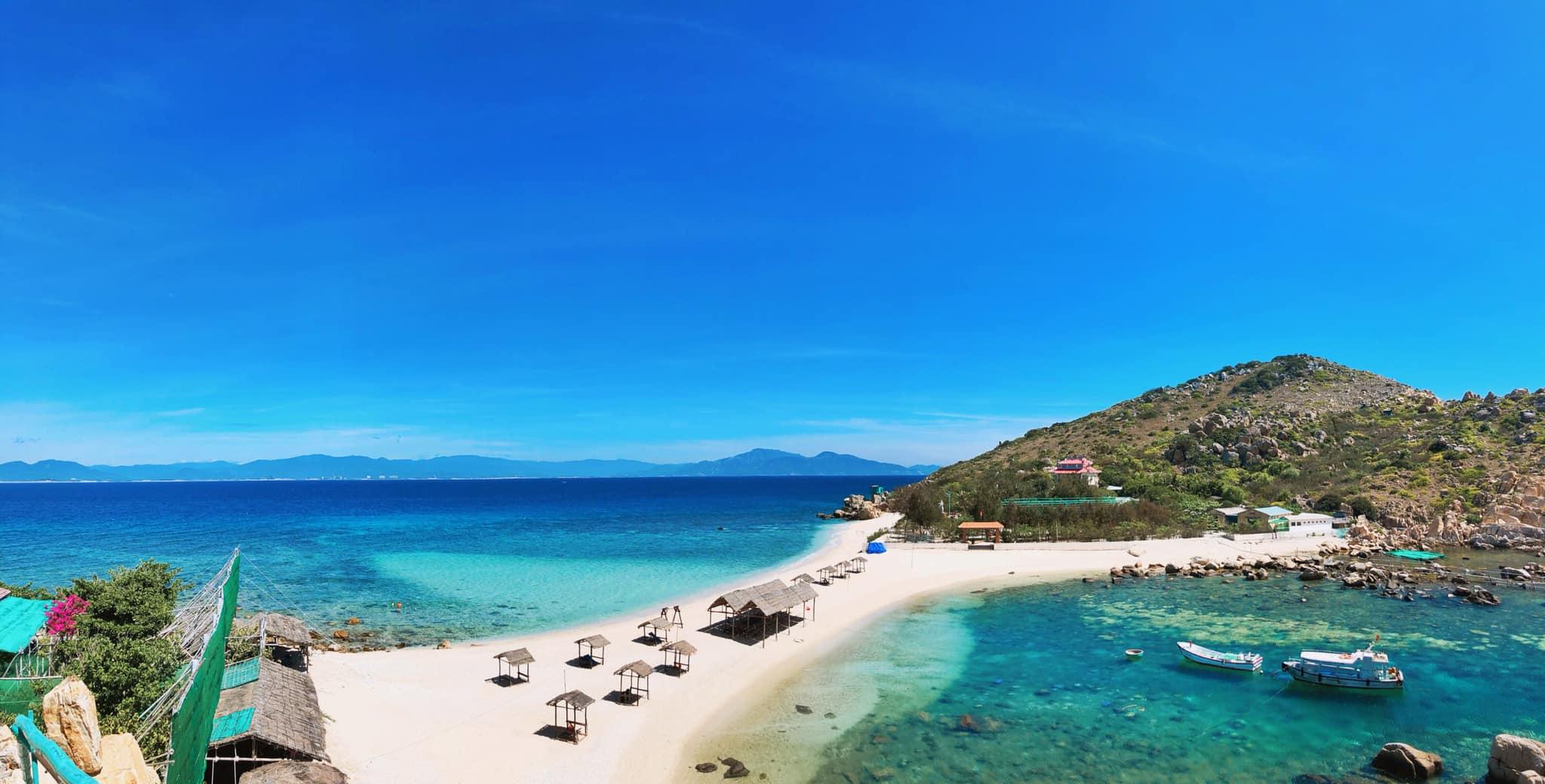 Review bãi biển đôi tại đảo Yến – Hòn Nội Nha Trang