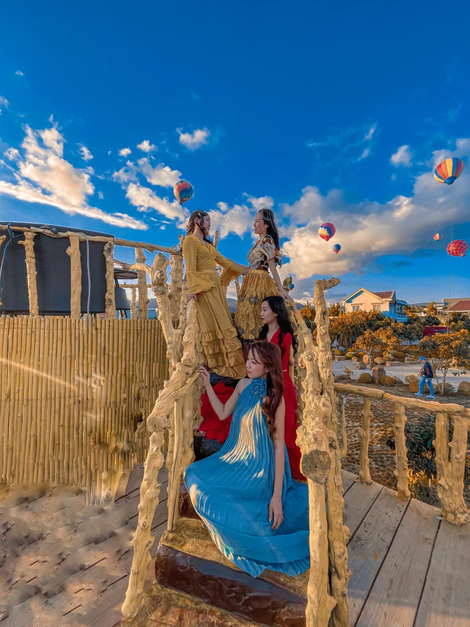 Thảo Nguyên Xanh coffee – Xuất hiện quán cafe khinh khí cầu siêu ảo diệu ngay sát Đà Lạt