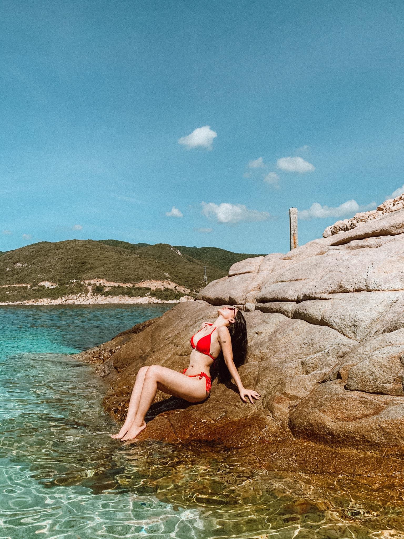 Review hòn đảo đẹp nhất của tứ bình Cam Ranh – đảo Bình Hưng: Ngon bổ rẻ và ghiền luôn