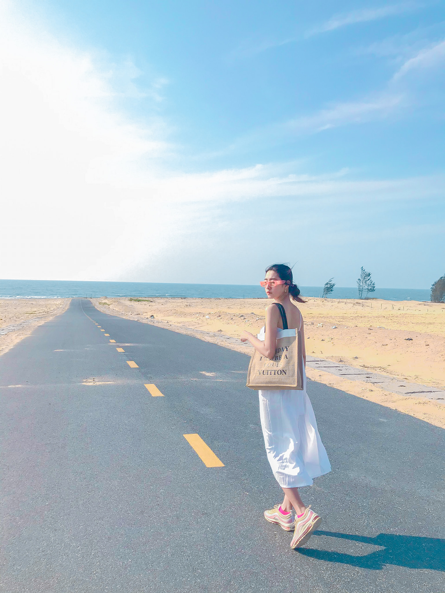 Du lịch Bình Thuận khám phá vẻ đẹp bất biến – Phan Thiết – Bàu Trắng – Cổ Thạch